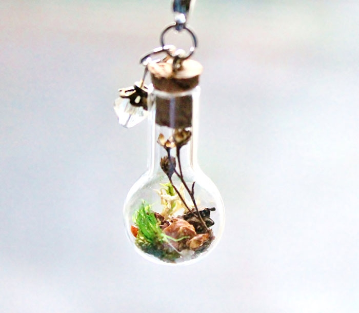 terrarium-necklaces-flower-jewelry-teenytinyplanet-3.jpg