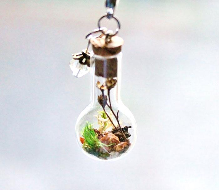 terrarium-necklaces-flower-jewelry-teenytinyplanet-3.jpg