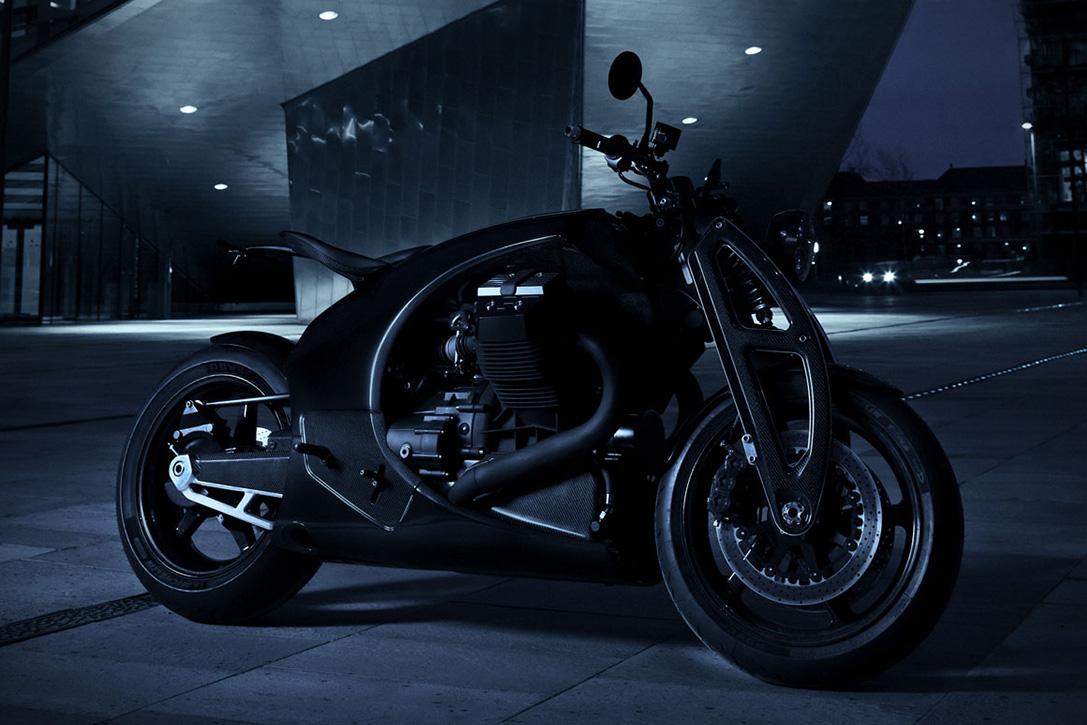 Carbon-Fiber-Moto-Guzzi-GT-by-Renard-Motorcycles-7.jpg