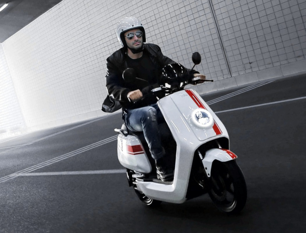 niu_electric_scooter_14.jpg