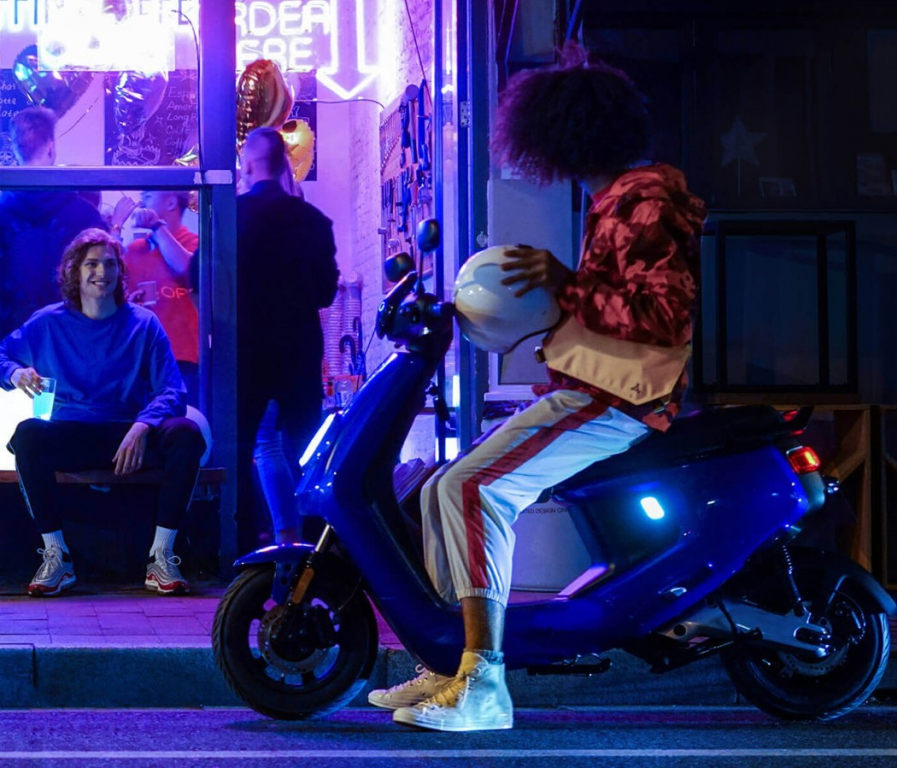 niu_electric_scooter_15.jpg