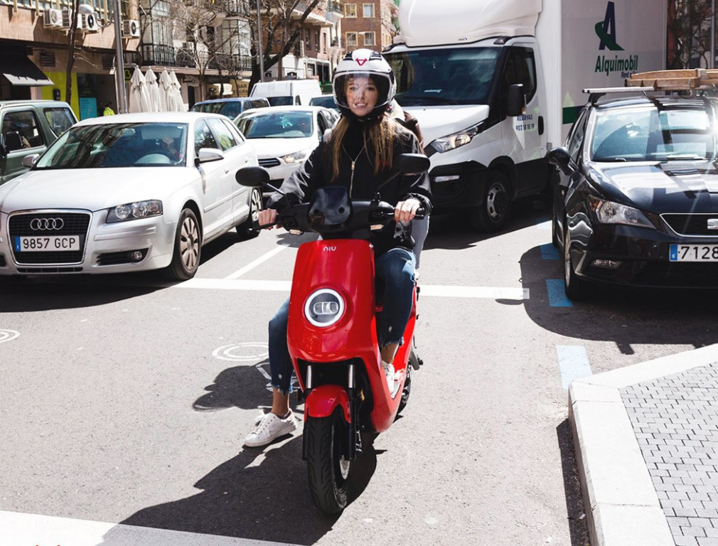 niu_electric_scooter_16.jpg