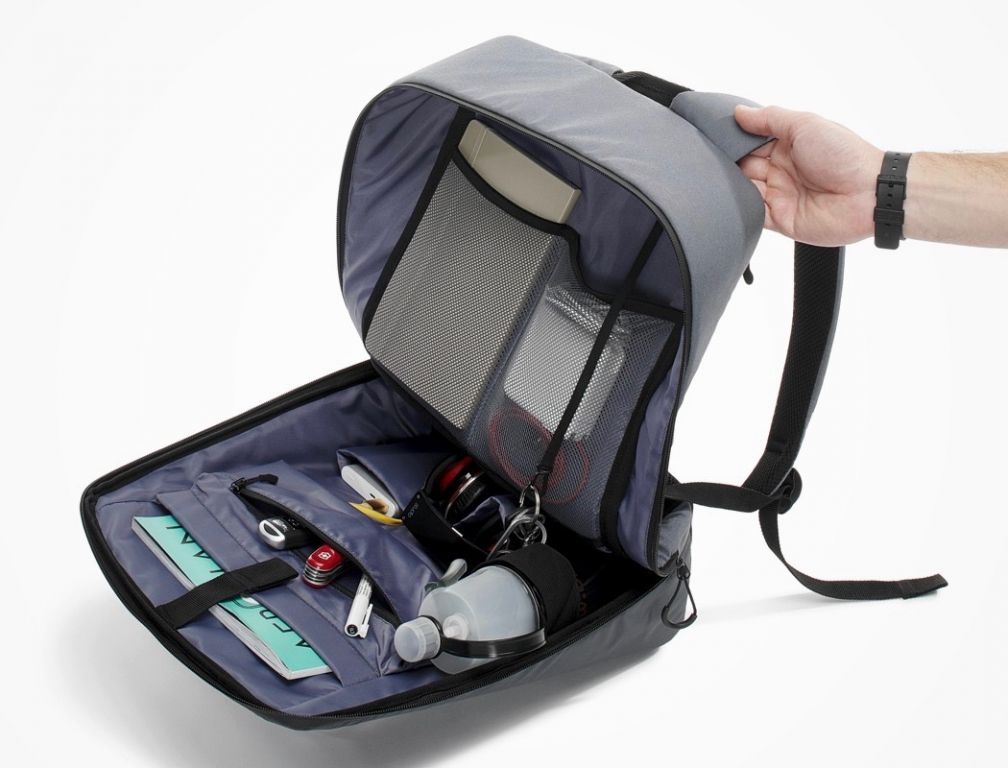 pix_digitalized_backpack_13.jpg