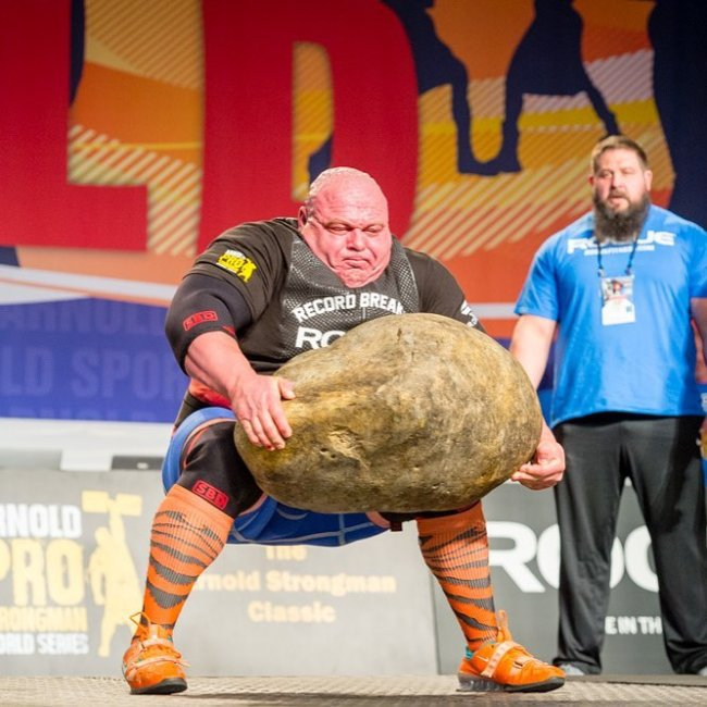 strongman-lifting-the-worlds-largest-potato-erupts-into-_007.jpg