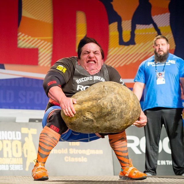strongman-lifting-the-worlds-largest-potato-erupts-into-_008.jpg