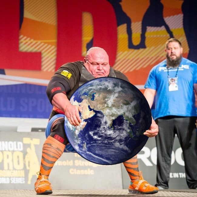 strongman-lifting-the-worlds-largest-potato-erupts-into-_014.jpg