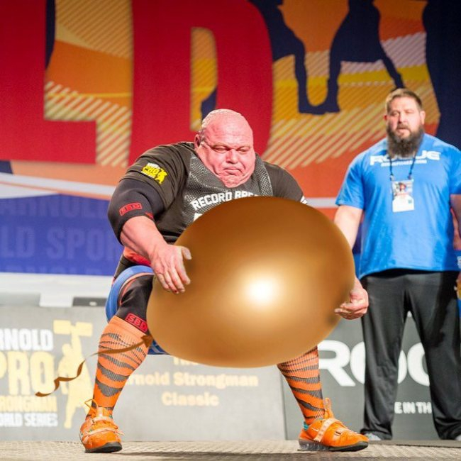strongman-lifting-the-worlds-largest-potato-erupts-into-_017.jpg