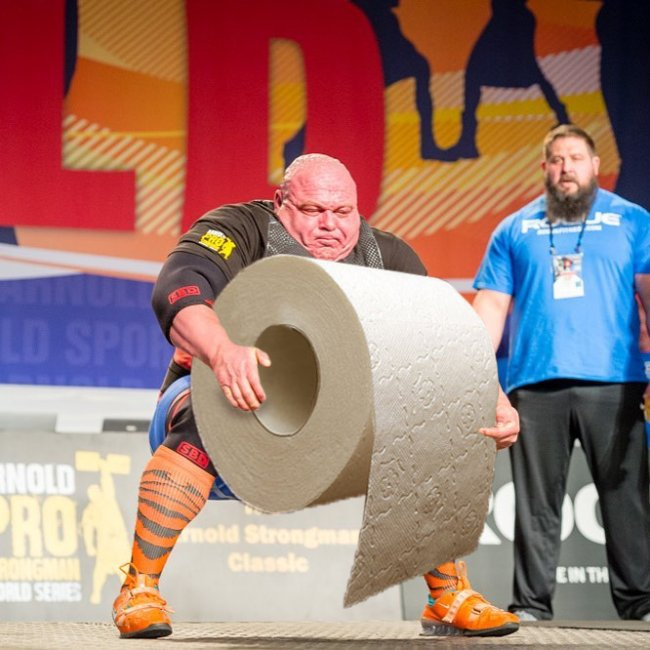strongman-lifting-the-worlds-largest-potato-erupts-into-_021.jpg