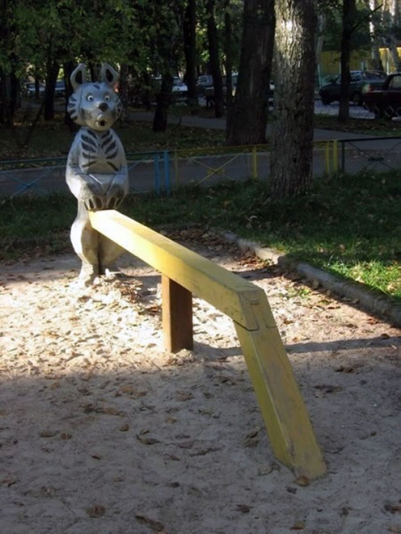 funny-children-playground-design-fails-25-5c35fa4a5e208__700.jpg