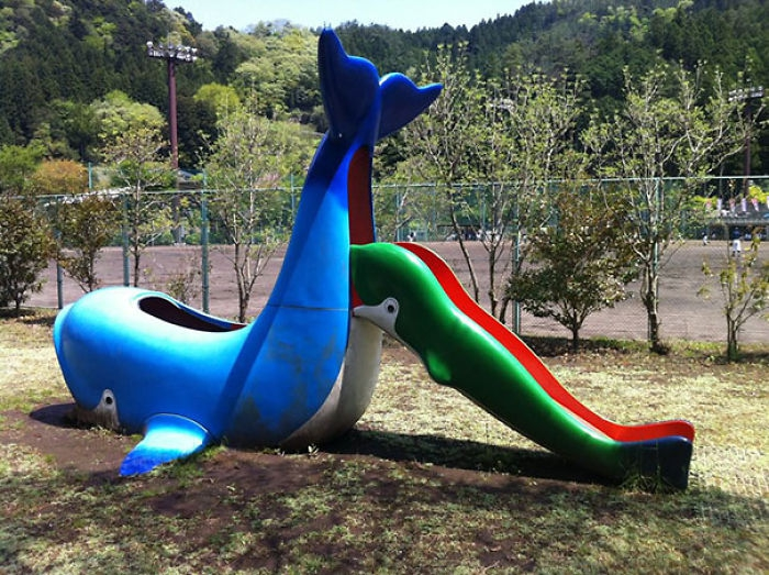 funny-children-playground-design-fails-4-5c35b3f7dc977__700.jpg