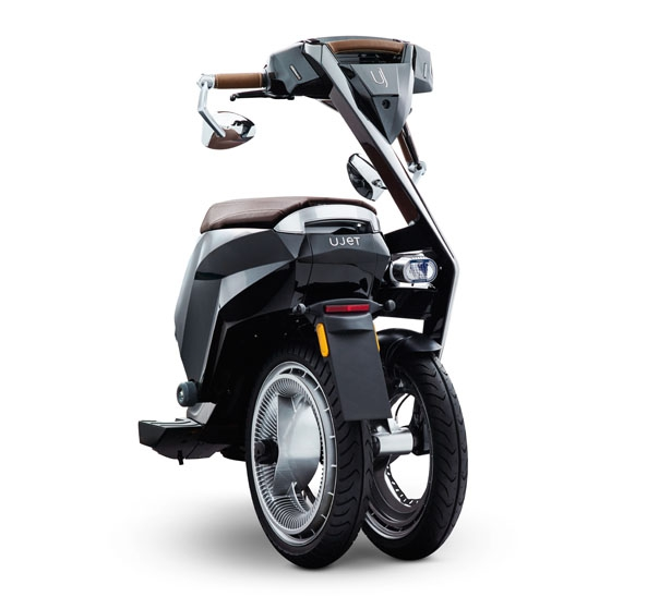 ujet-electric-scooter-modern-urban-mobility3.jpg