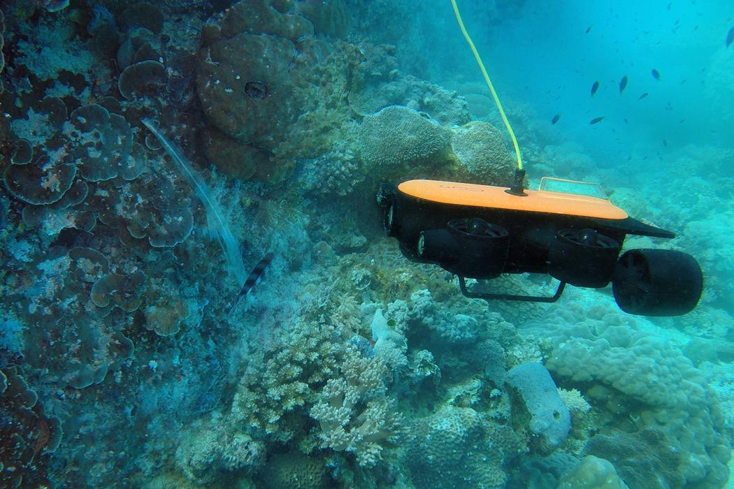 titan_deepest_diving_underwater_drone_02.jpg
