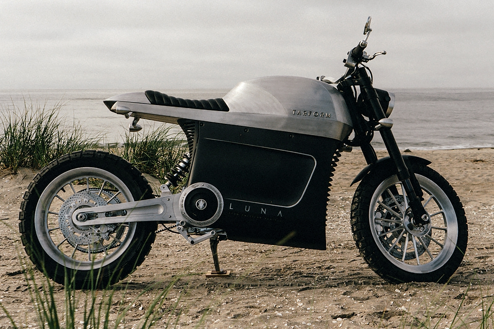 2021-Tarform-Luna-Electric-Motorcycle-0-Hero.jpg