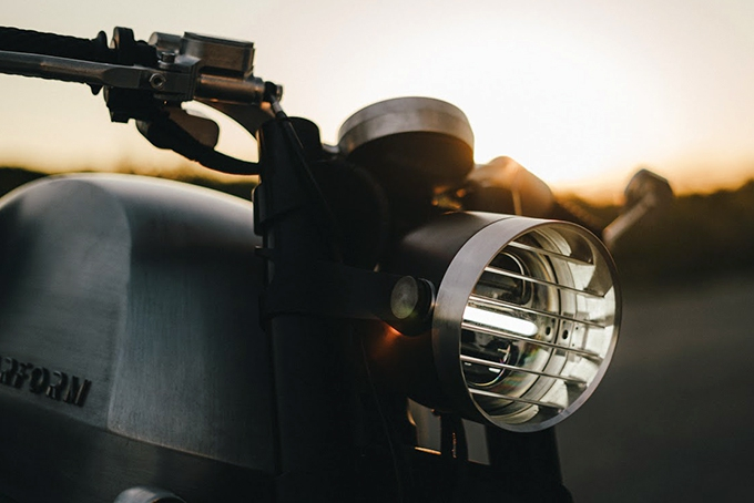2021-Tarform-Luna-Electric-Motorcycle-1.jpg