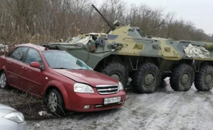 БТР-80-Chevrolet-Lacetti-авария-700x428.jpg