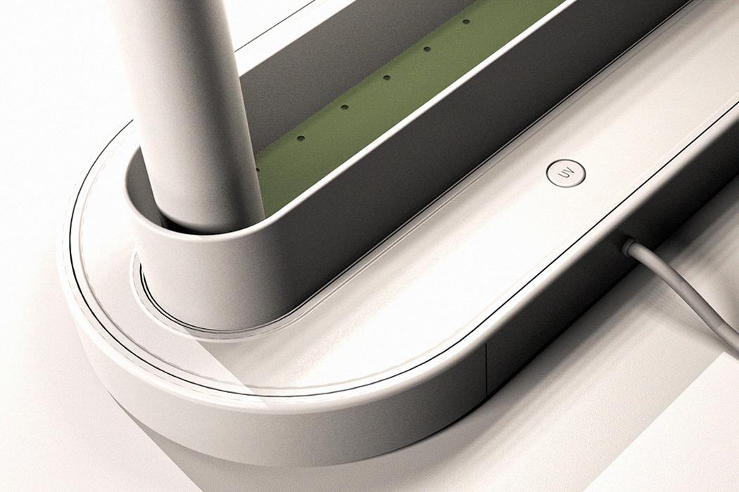 Lumiso-desk-lamp-and-flowe-pot_6-Copy.jpg