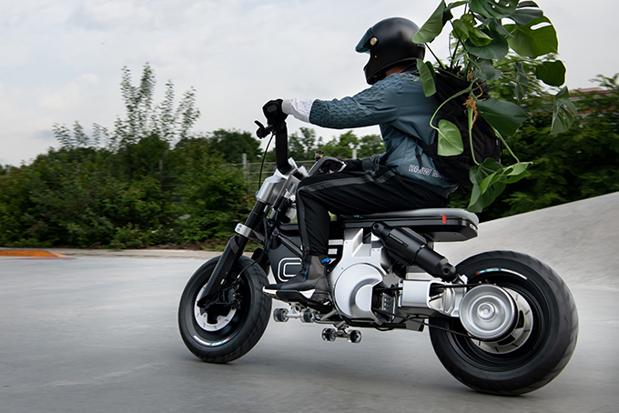 BMW-Concept-CE-02-3.jpg